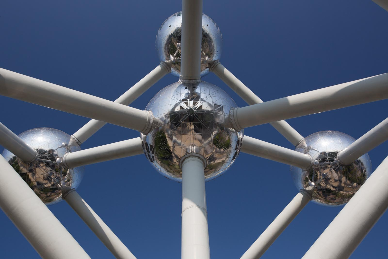 The Atomium, or that thing that people go see outside of Brussels if they're not interested in the small statue of the little boy peeing in town.